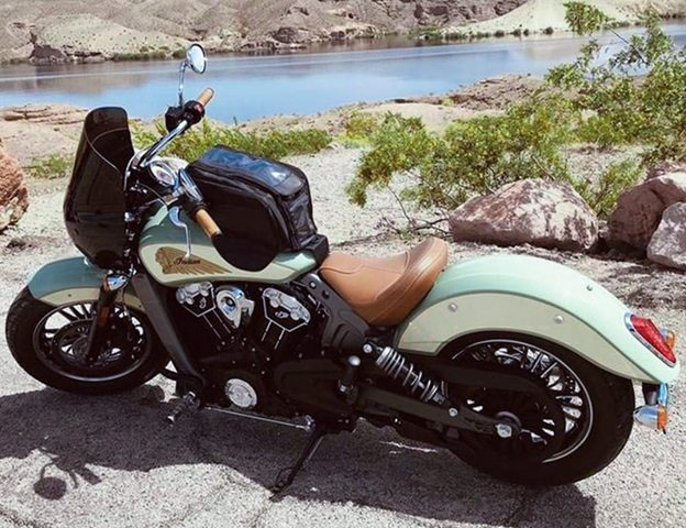 2 Most Common Ways to Mount Your Tank Bag on Your Motorbike's Tank